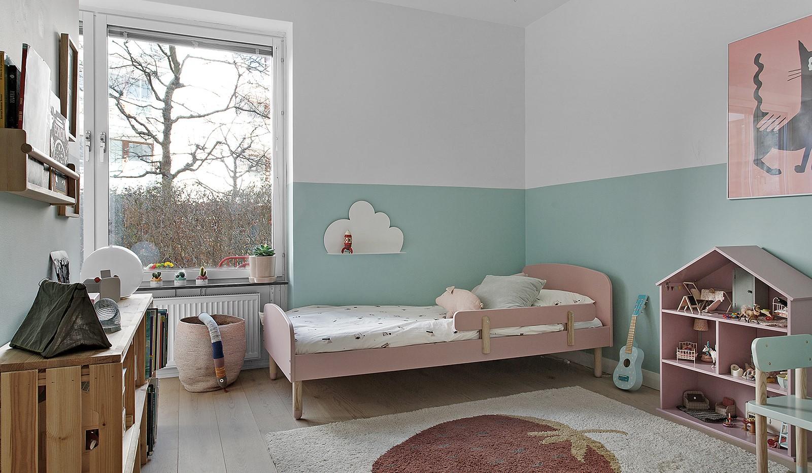 Sickla kanalgata 13B - Bägge bostadens sovrum vetter mot den lugna gården