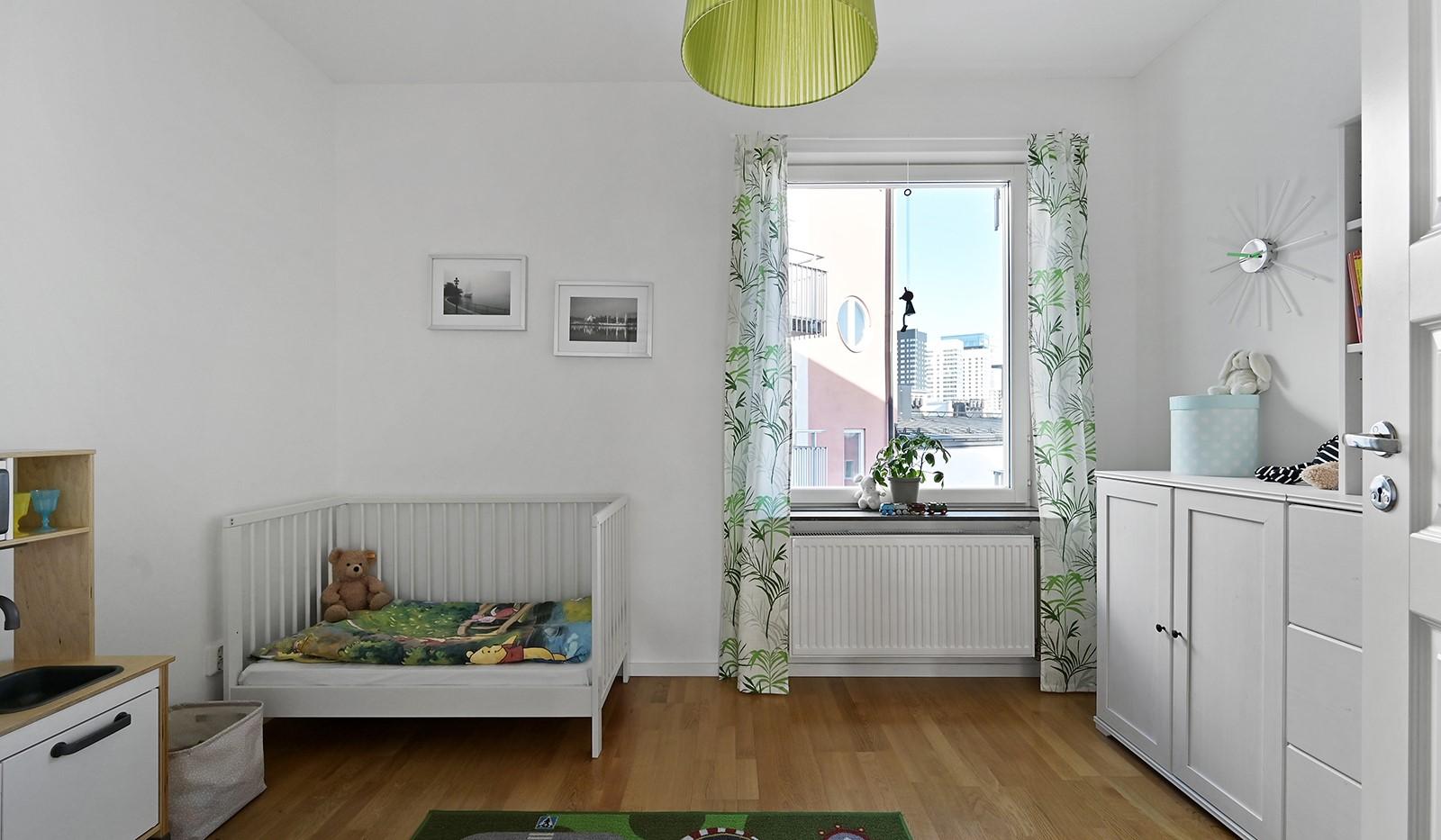Blekegatan 1, 6 tr - Bostadens andra sovrum är även det av bra storlek