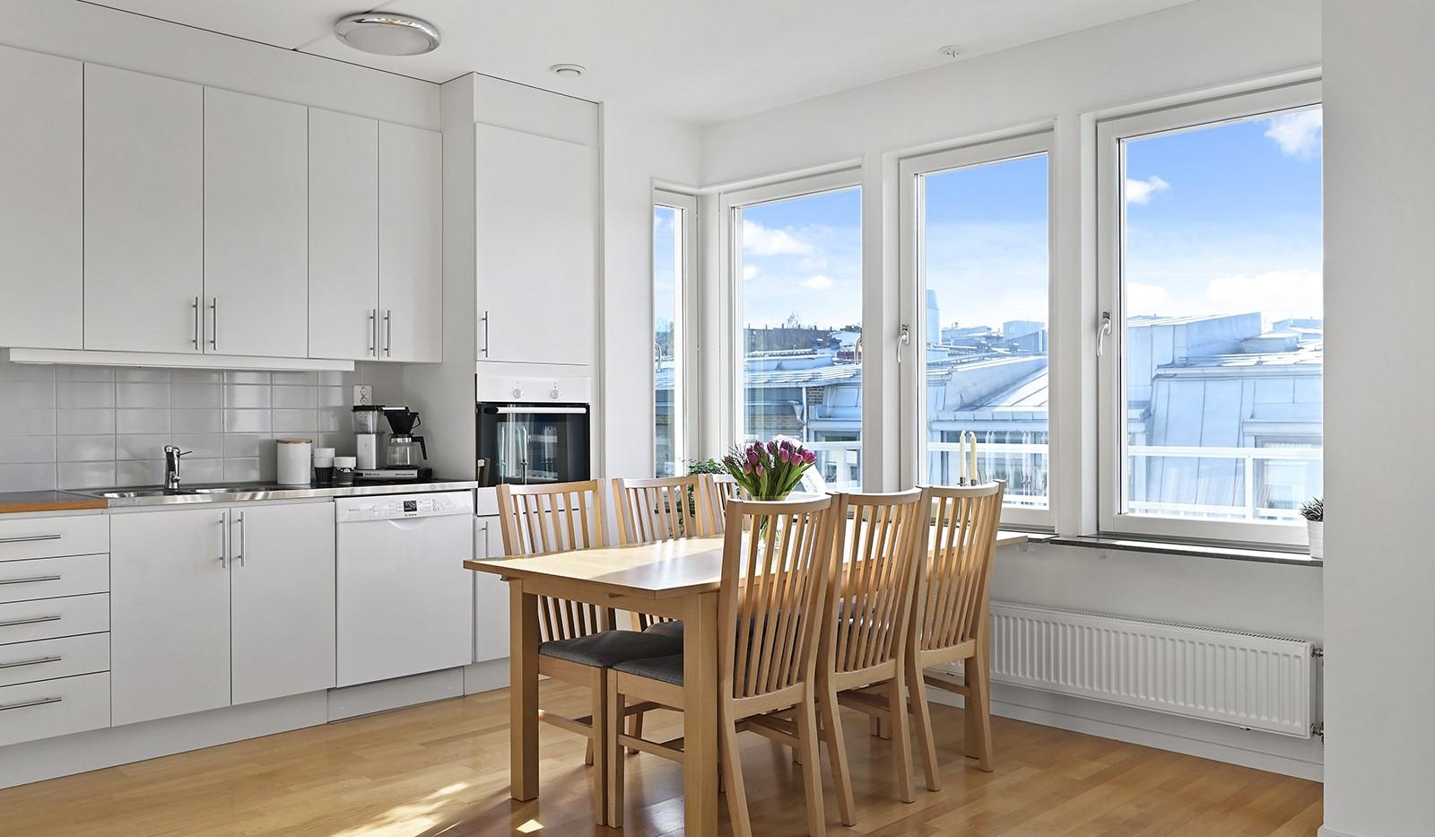 Blekegatan 1, 6 tr - I köket ryms en ordentlig matplats