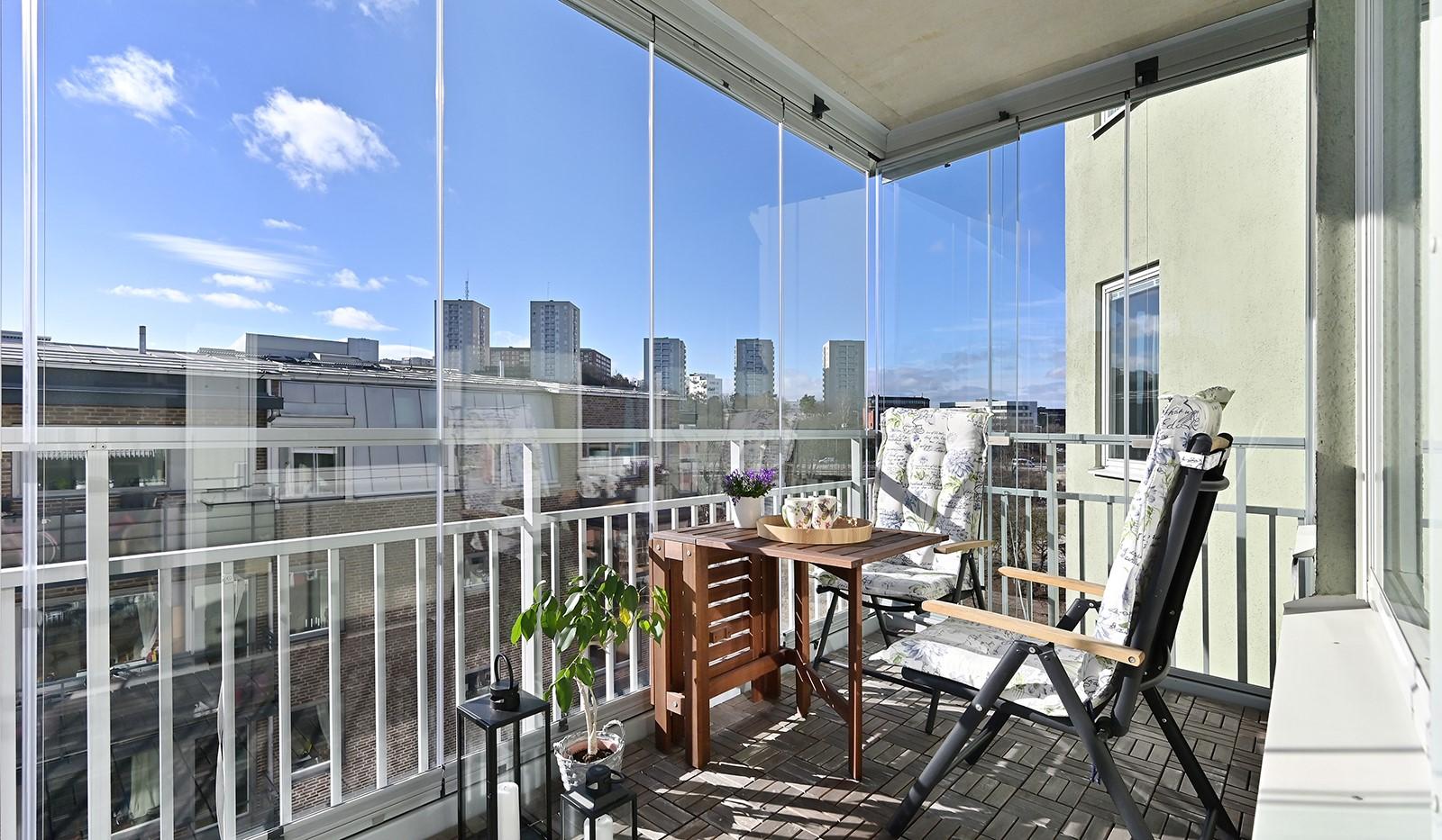 Blekegatan 1, 6 tr - Stor inglasad balkong