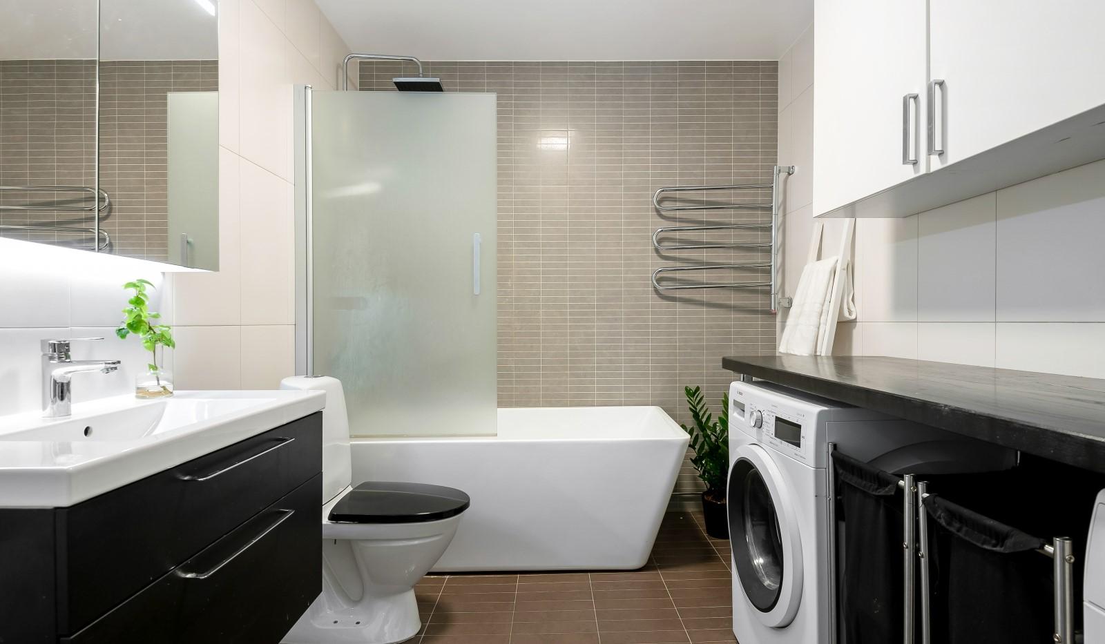 Heliosgatan 58 - Modernt och stilrent badrum