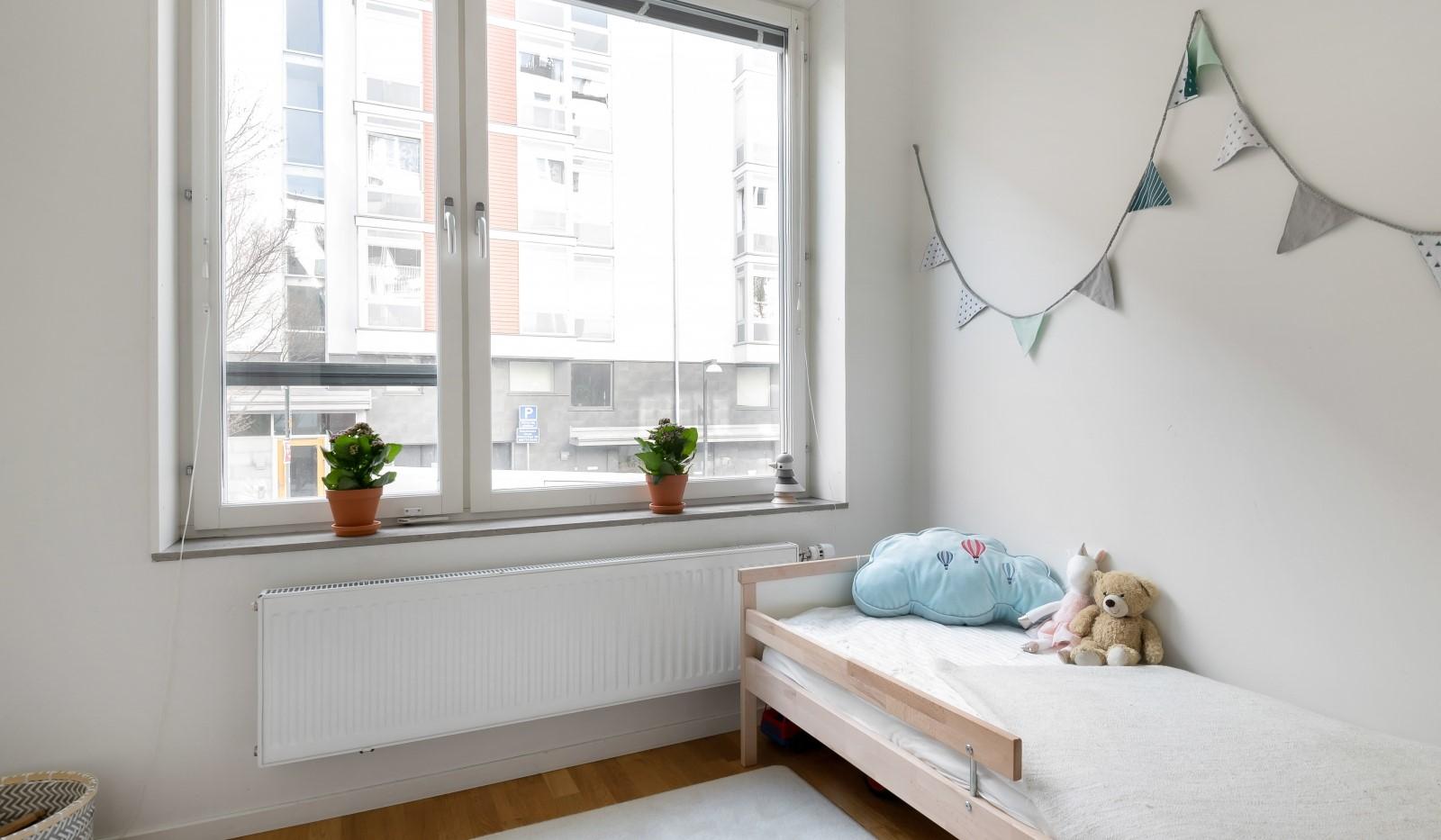 Heliosgatan 58 - Mindre sovrum perfekt som barn eller arbetsrum