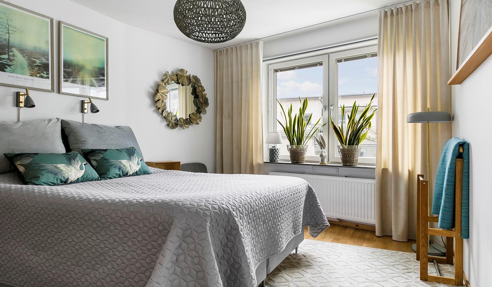 Sjöviksbacken 55, 4 tr - Ljust och rymligt sovrum