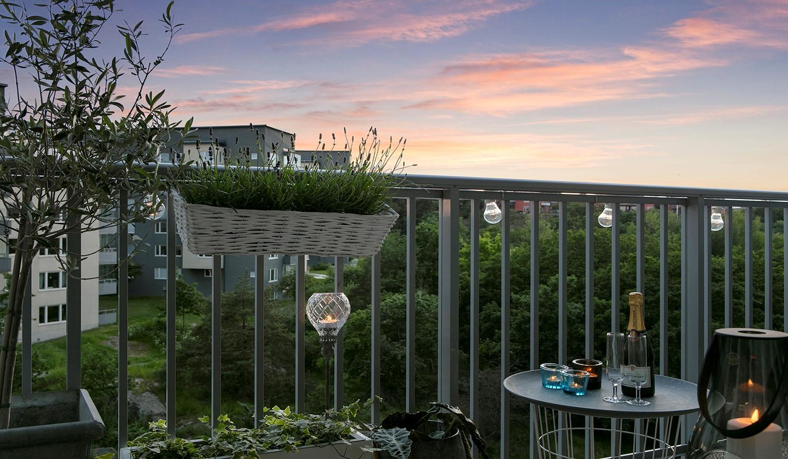 Sjöviksbacken 55, 4 tr - Fin vy över rosaskimrande himmel