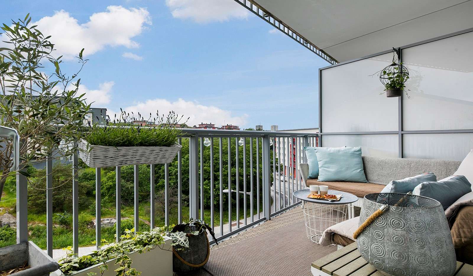 Sjöviksbacken 55, 4 tr - Stor balkong i fritt läge