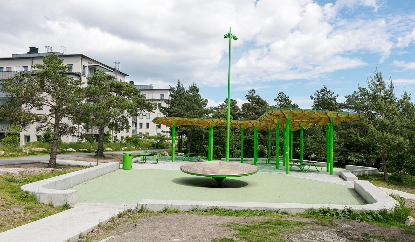 Sjöviksbacken 55, 4 tr - Lekplats invid huset